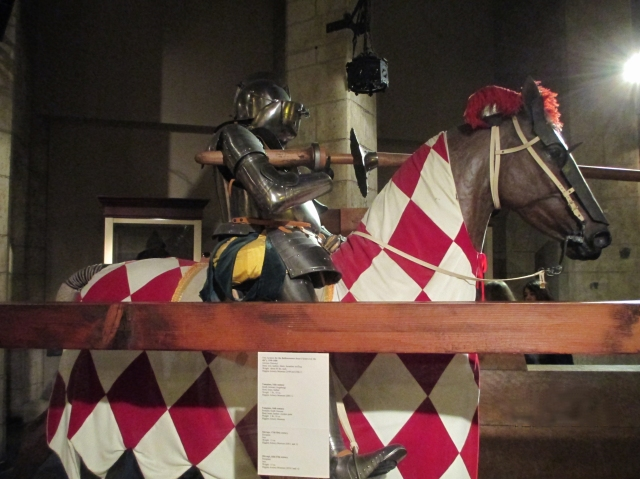 jousting red