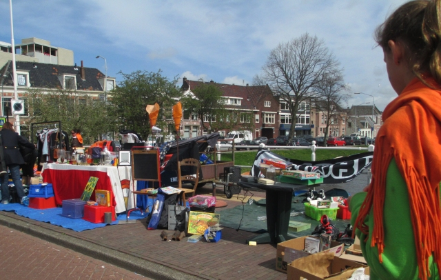 Alkmaar's canalside tag sale tables