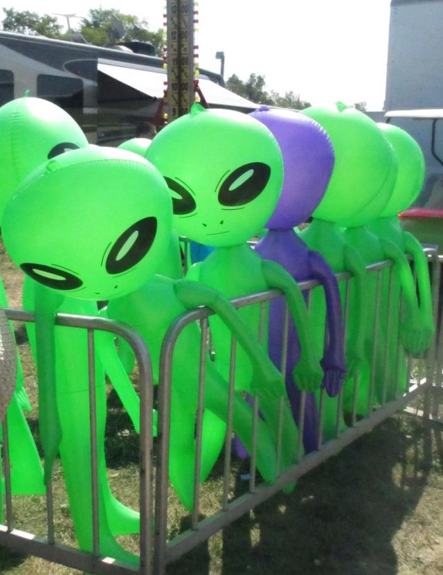 aliens corraled
